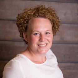 Angela van der Hoek